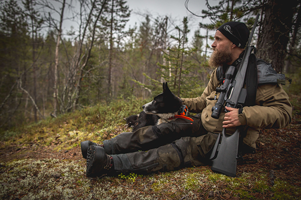 Moosehunting with Tiko the karelian beardog
